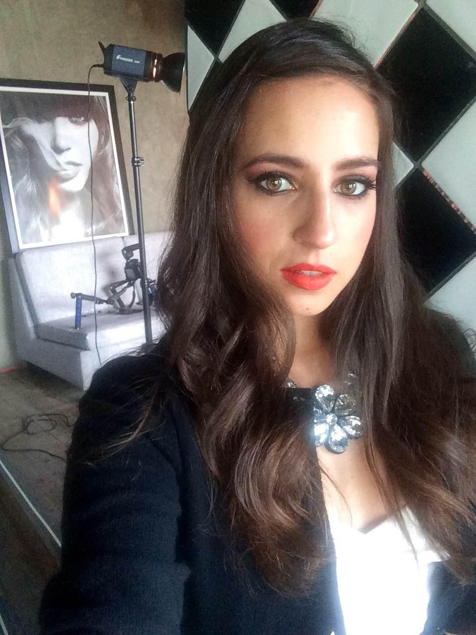 0c7c177e1 Maquillaje profesional de Juliana Bravo para sesión de FashCrime