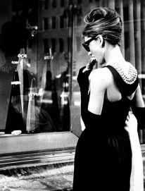 Problablemente este es el LBD más famoso de la historia - 1961 Breakfast at Tiffany's