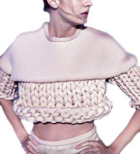 Combinación de un tejido de punto grueso con otras texturas