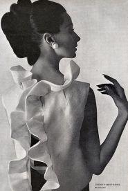 Camisa en seda en Vogue US en 1963