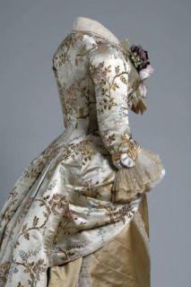 Vestido en seda de 1878, exhibido en el Chicago History Museum