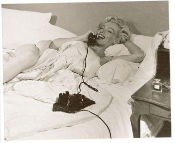 Marilyn Monroe en una entrevista dijo que al dormir solo usaba unas gotas de No. 5